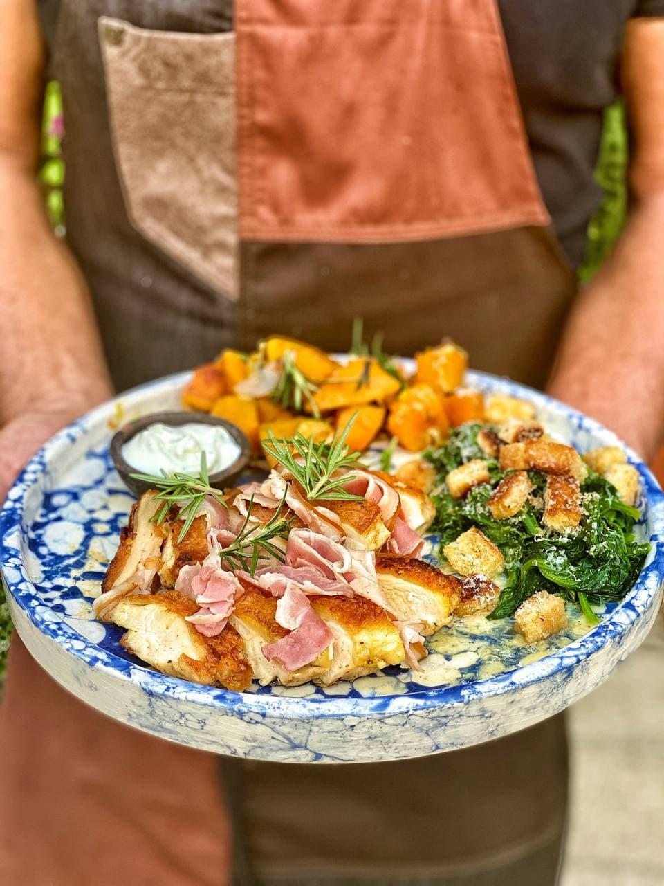 Petto di pollo croccante in padella insieme a Chef Max Mariola